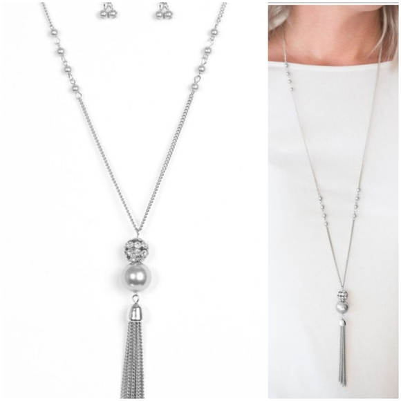 THE ONLY SHOW IN TOWN SILVER NECKLACE /EARRING SET